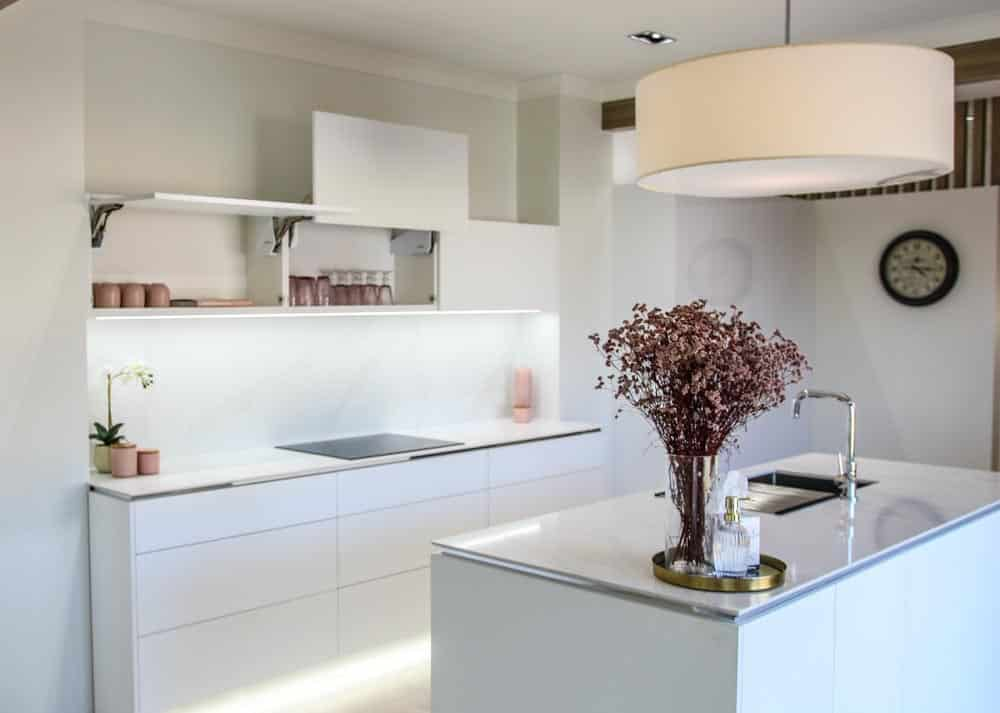 Minimalist Kitchen — Askin Cabinets in Caloundra, QLD