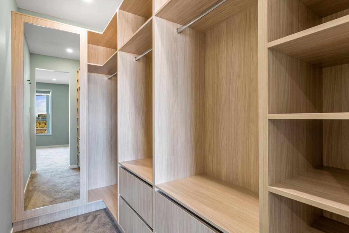 Closet 2 — Askin Cabinets in Caloundra, QLD