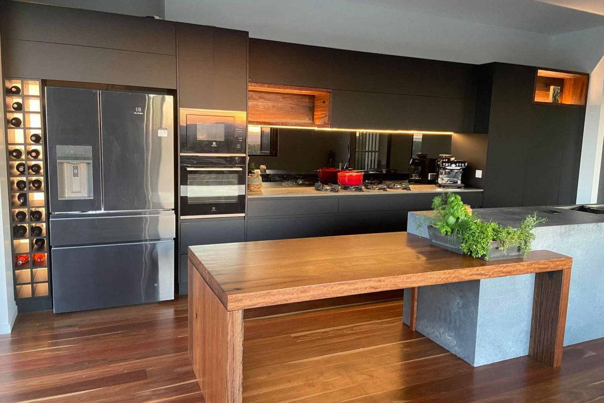 Contemporary Style Kitchen — Askin Cabinets in Caloundra, QLD